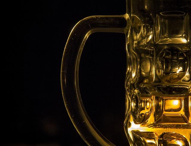 Bier - nicht Auto fahren und saufen!
