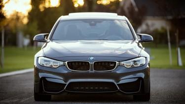 BMW Luxusauto - nicht saufen und fahren!